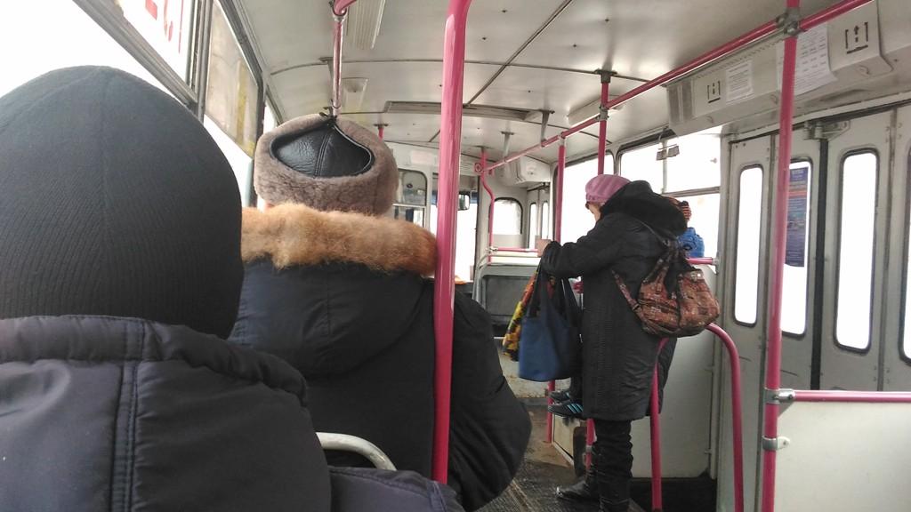С 1 февраля льготники должны предъявлять кондуктору за проезд не только проездной и удостоверение, но еще и талон. Фото: ©«ДЕНЬ.org»