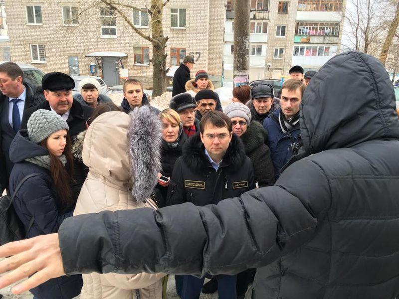 Андрей Чибис обвинял не голословно, а после общения с жителями Ижевска. Фото: facebook.com (a.v.chibis)