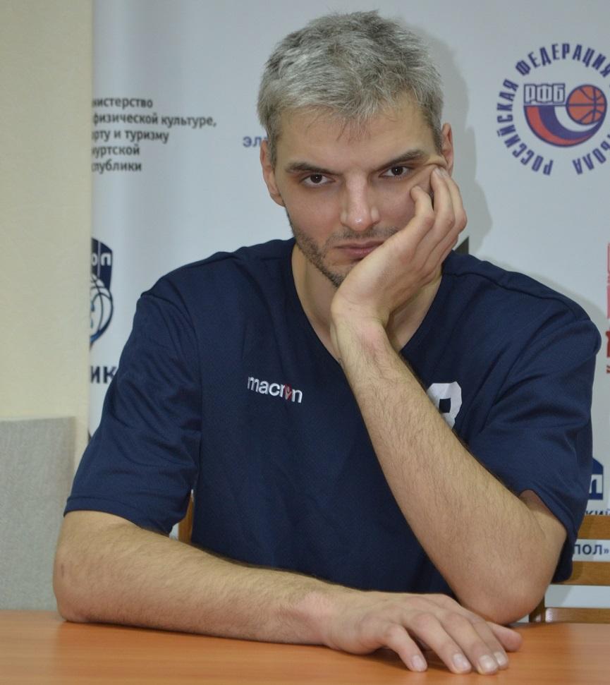 Владимир Белов незадолго до расставания с «Куполом». Фото: Александр Поскребышев