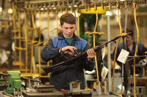 Концерн «Калашников» переходит наработу втри смены из-за увеличения экспортных заказов