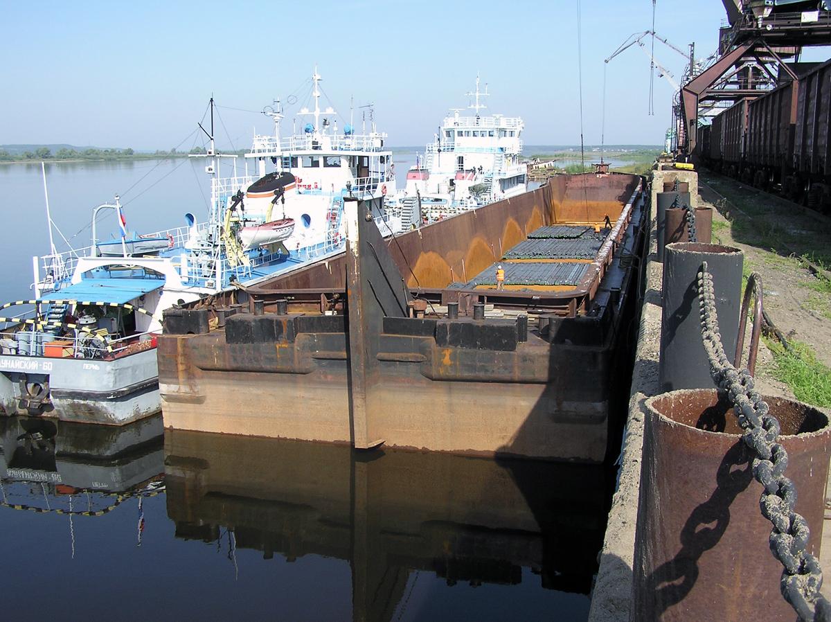 Порт Камбарка. Фото: kamafleetforum.ru
