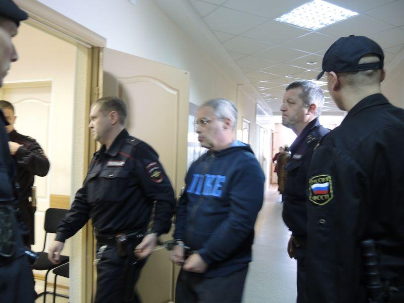 Ильдар Мавлутдинов расстрелял не только своего кредитора, но и бывшую партию. Фото ©«ДЕНЬ.org»