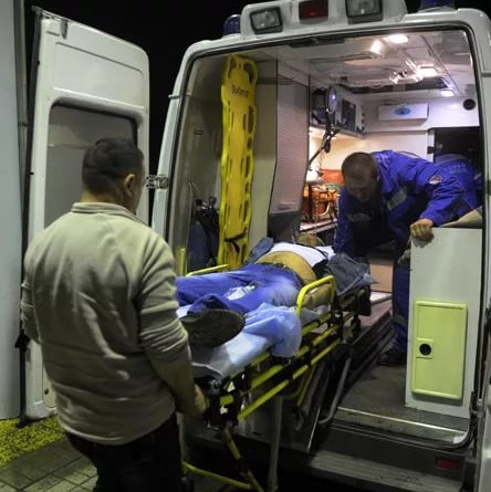 Шофёр такси, предположительно, избил жителя Ижевска около одного изгородских кафе