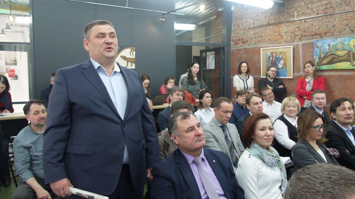 Олег Кочуров попросил Бречалова во время встречи с бизнесом провести совещание по ситуации в леспроме. Фото: © «ДЕНЬ.org»