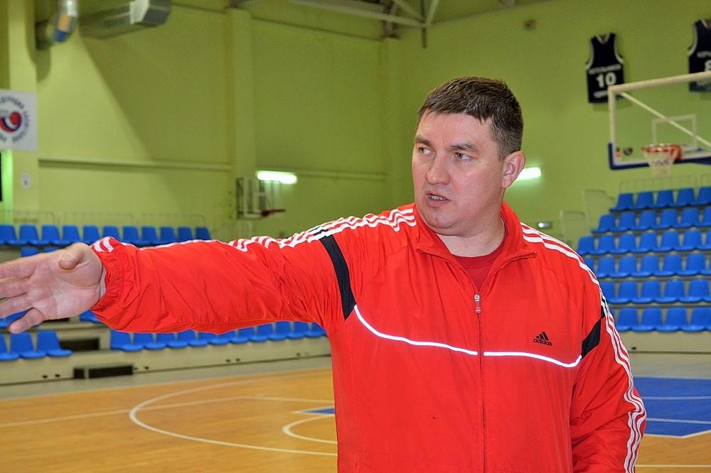 Юрий Карандашов знает путь выхода команды из кризиса. Фото: Николай Польчёнок