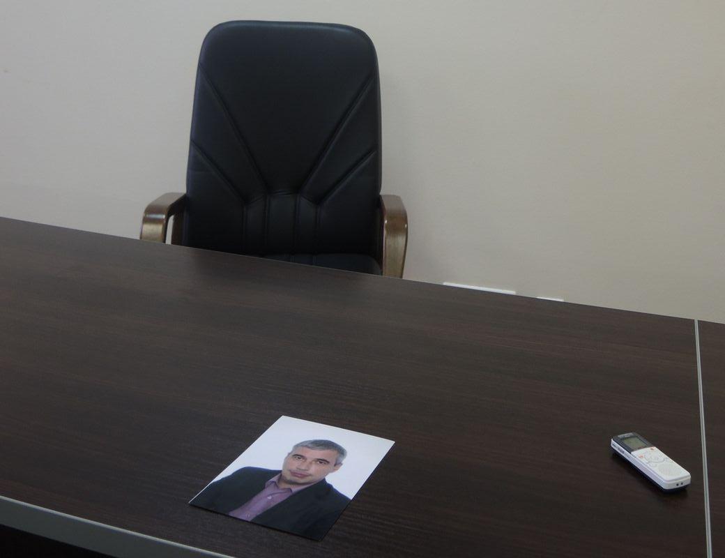 Бывшего депутата Ильдара Мавлутдинова теперь ищут по его фото с сайта городской думы Ижевска. Фото ©День.org