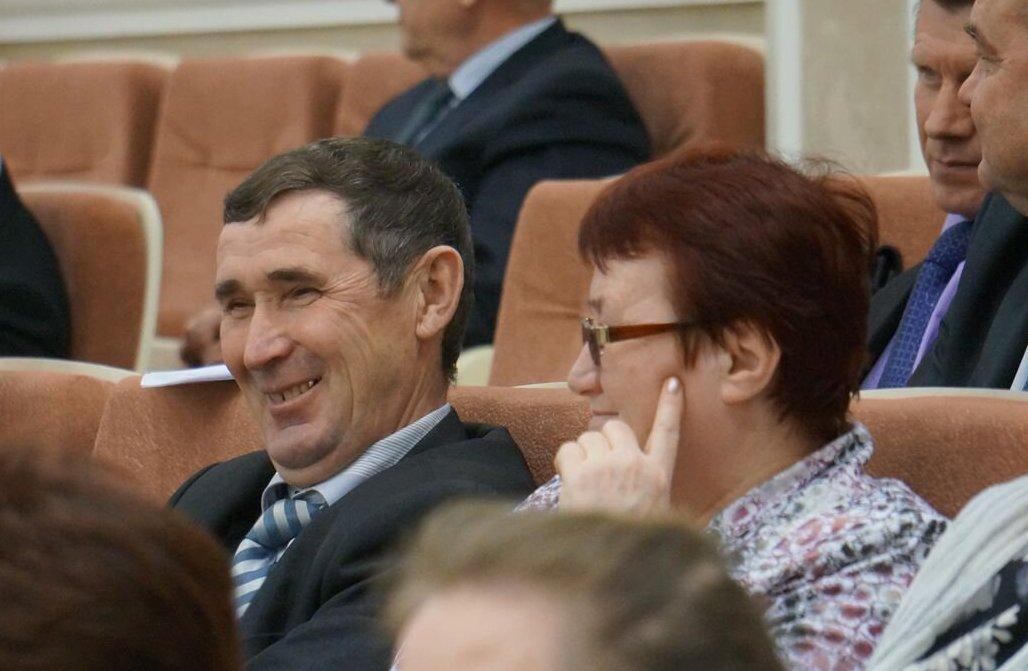 Новый и теперь уже бывший руководители Вавожского района, бывало, сидели рядом на сессиях Госсовета УР. Фото: © «ДЕНЬ.org»
