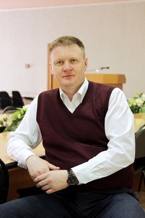 Новый начальник СпДУ Дмитрий Гущин стал одной из главных мишеней авторов анонимной листовки.