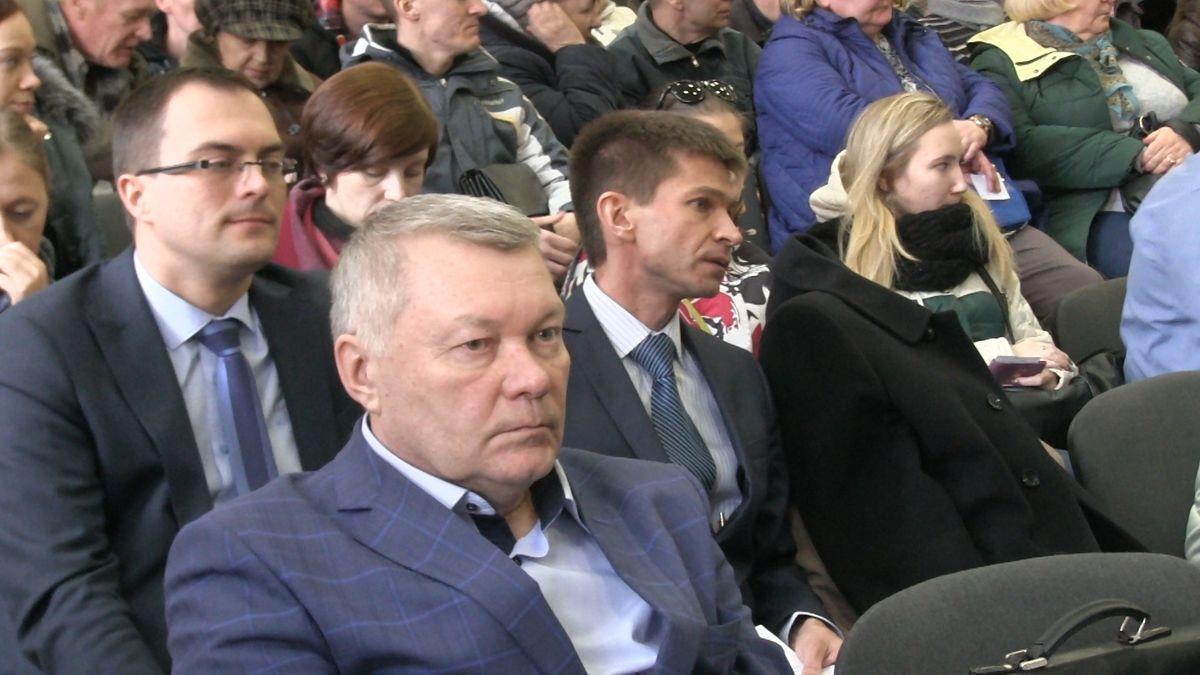 Денис Лямин (крайний слева). Фото: © «ДЕНЬ.org»