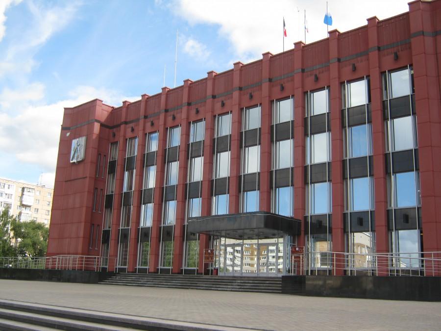 Стать завсегдатаями этого учреждения желают Кандидаты. Фото: izvestiaur.ru