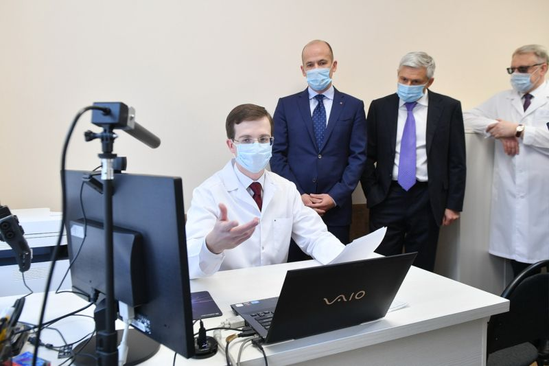 А в это время: в РКДЦ разрабатывается пилотный проект Voice2med - электронный диктофон, который позволяет заполнять медкарты, используя голос. Фото: Фото: vk.com/a.brechalov