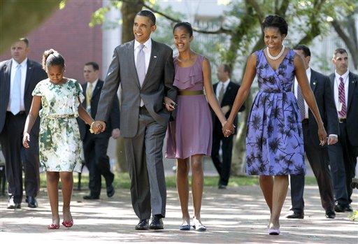 Семейство Обама: Саша, Барак, Малие, Мишель. Фото: hristiqni.com