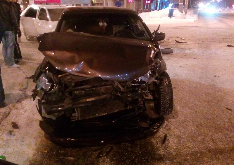 Шофёр «ВАЗа» умер вУдмуртии, столкнувшись с«КаМАЗом»