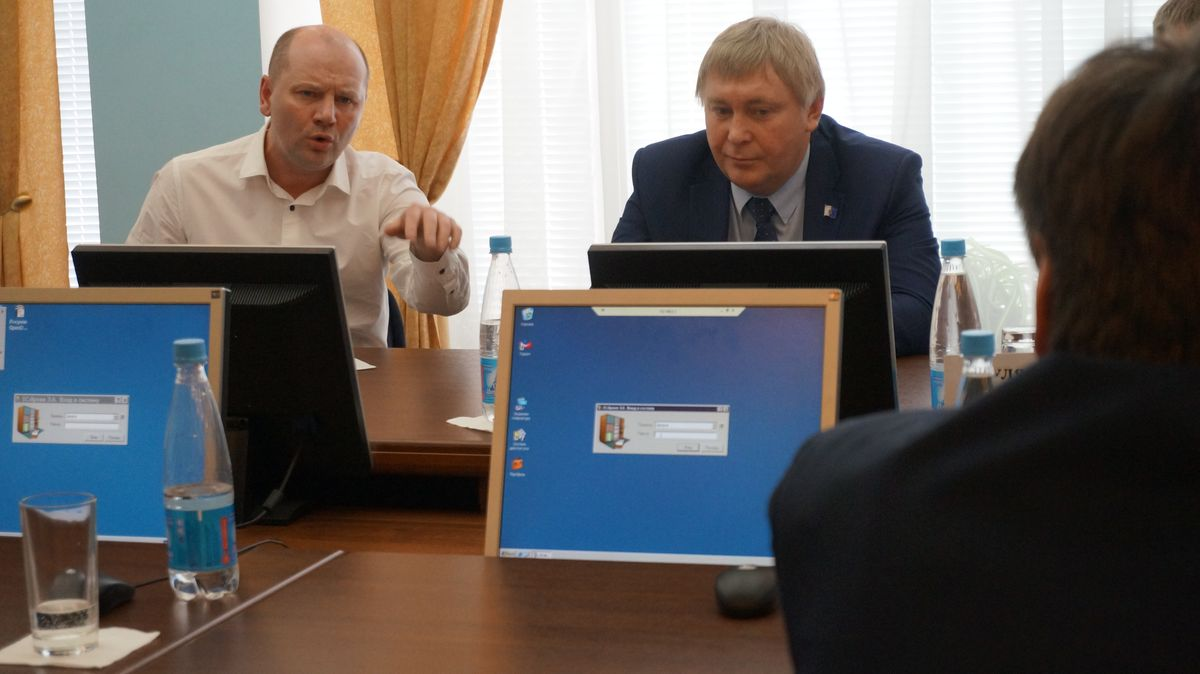Депутаты Дмитрий Кулишов и Борис Ломаев. Фото: © «ДЕНЬ.org»