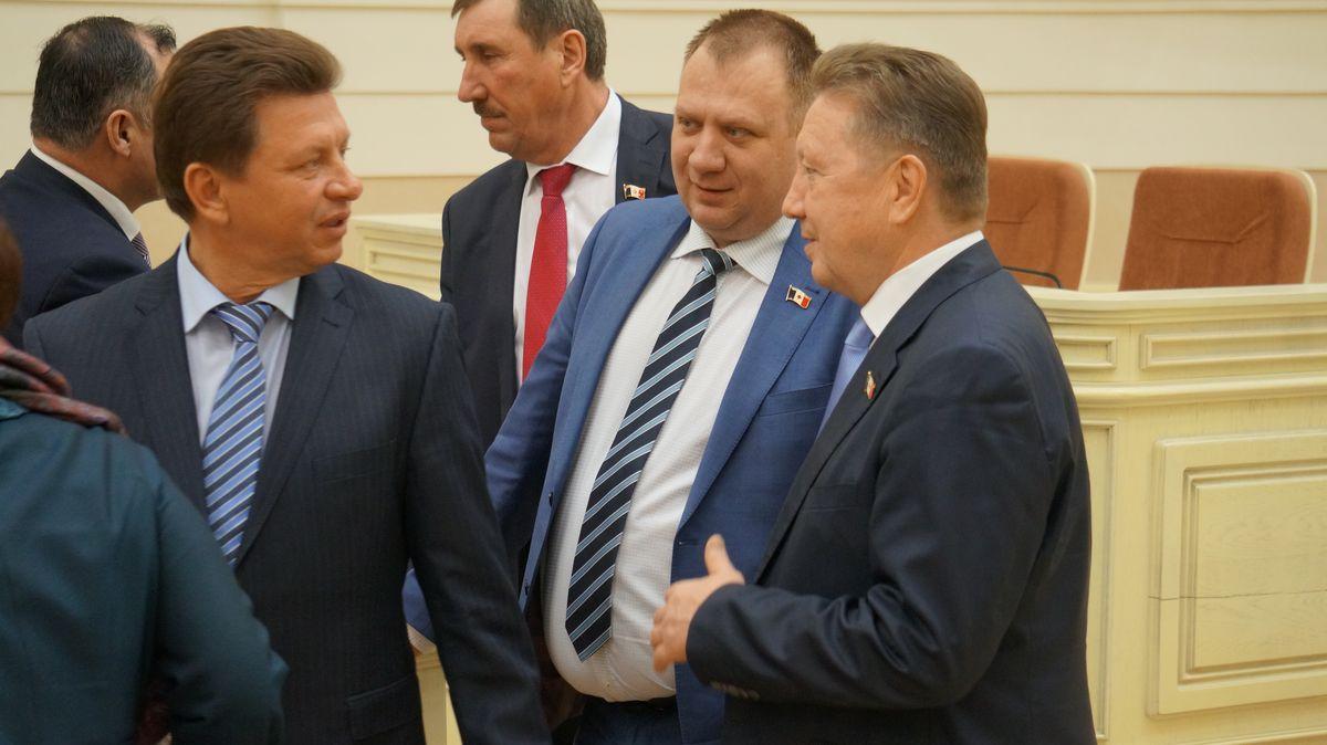 Александр Мурашов — крайний справа.  Фото: © «ДЕНЬ.org»