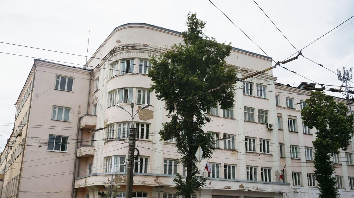 В этом здании располагается Министерство образования и науки УР. Фото: © «ДЕНЬ.org»