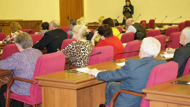 На заседание Общественного совета пришло не более 30 человек. Фото: © «ДЕНЬ.org»