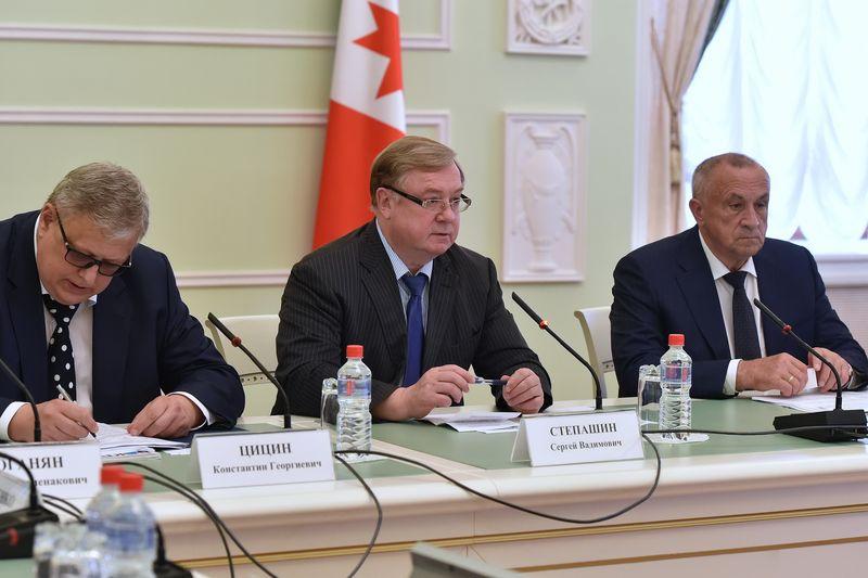 Руководители Фонда ЖКХ на совещании  хвалили Удмуртию много раз. Фото: пресс-служба главы и правительства УР