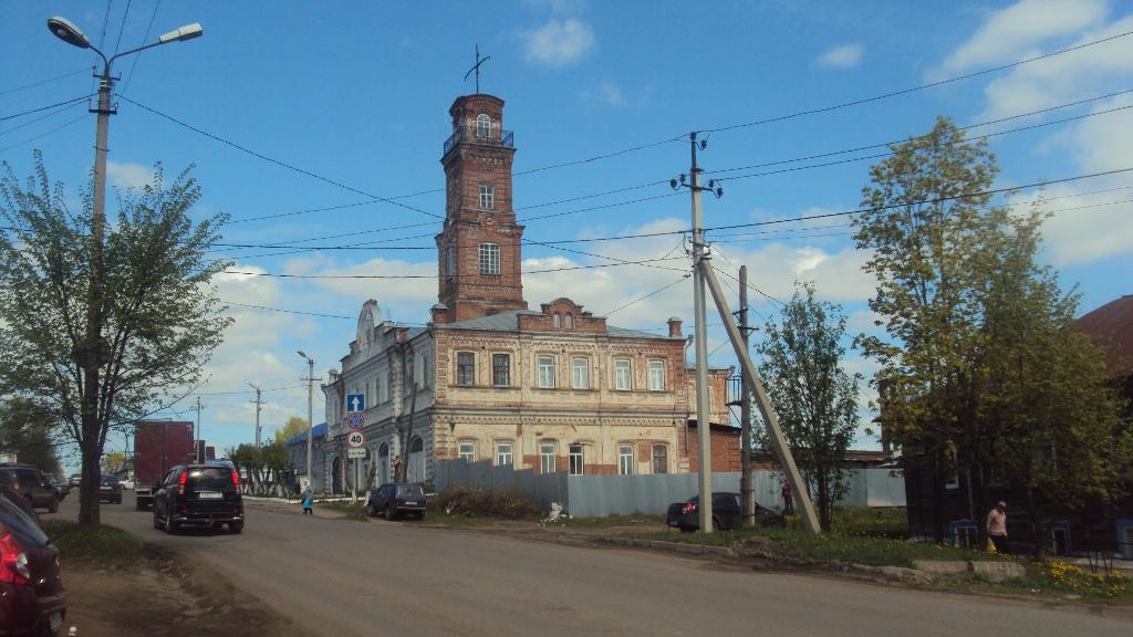 Пожарная каланча, построенная в 1887 году, функционирует до сих пор. Фото: © «ДЕНЬ.org»