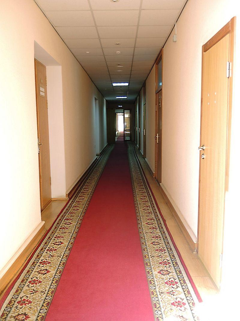 В коридорах Министерства экономики занимались явно чем-то не тем. Фото: «ДЕНЬ.org»