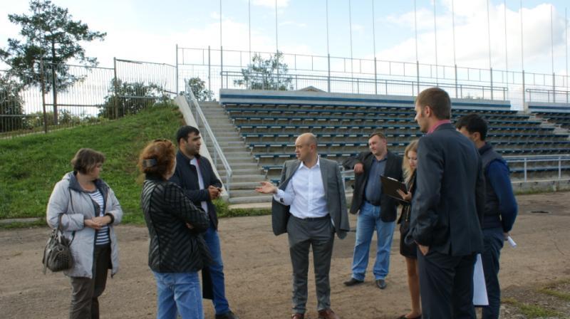 Совещание с участием подрядчиков в сентябре 2014 года. В центре - Юрий Бычков. Фото: votkinsk.net