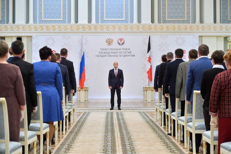 Глава Удмуртии Александр Бречалов на Торжественном приёме в честь Дня государственности республики. Фото: vk.com/a.brechalov