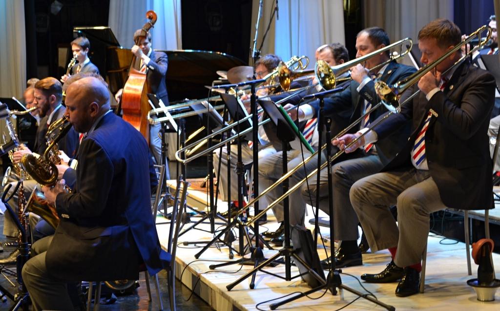 Московский джазовый оркестр играет в полной гармонии и абсолютном балансе. Фото: Александр Поскребышев