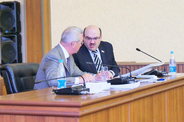Василий Шаталов на последней для него в качестве вице-спикера сессии Гордумы Ижевска. Фото: © «ДЕНЬ.org»