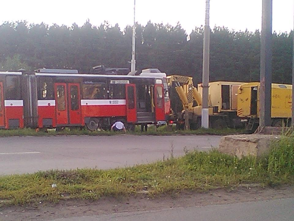В середине августа у одного из берлинских трамваев в Ижевске отвалились колеса. Фото: fb.com (Александр Сушко)