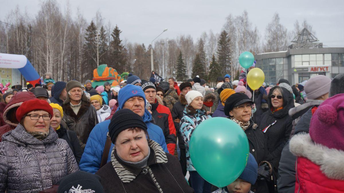Миниср культуры и туризма УР Владимир Соловьев (в синей куртке). Фото: © «ДЕНЬ.org»