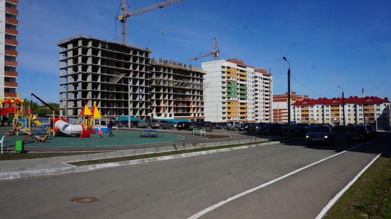 В конце лета начнется резкий рост стоимости жилья, и к 2018 году цена недвижимости прибавит как минимум на 100% к сегодняшнему уровню. Прогноз прозвучал на форуме в Москве, и его участники объяснили свои ожидания растущими ценами на стройматериалы, ожидающимся дефицитом предложения и отложенной инфляцией... Читать далее...