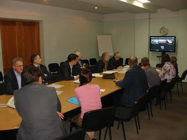 Очередное успешное совещание. Фото: glazov-gov.ru
