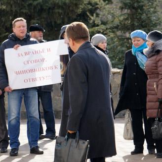 С премьера Виктора Савельева всегда могут спросить за Антикризисный план