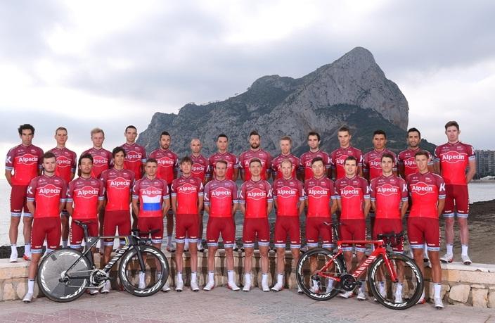 Гоночная форма и велосипеды в «старой» «Катюше» были ничуть не хуже экипировки и техники в новой команде. Фото: teamkatushaalpecin.com