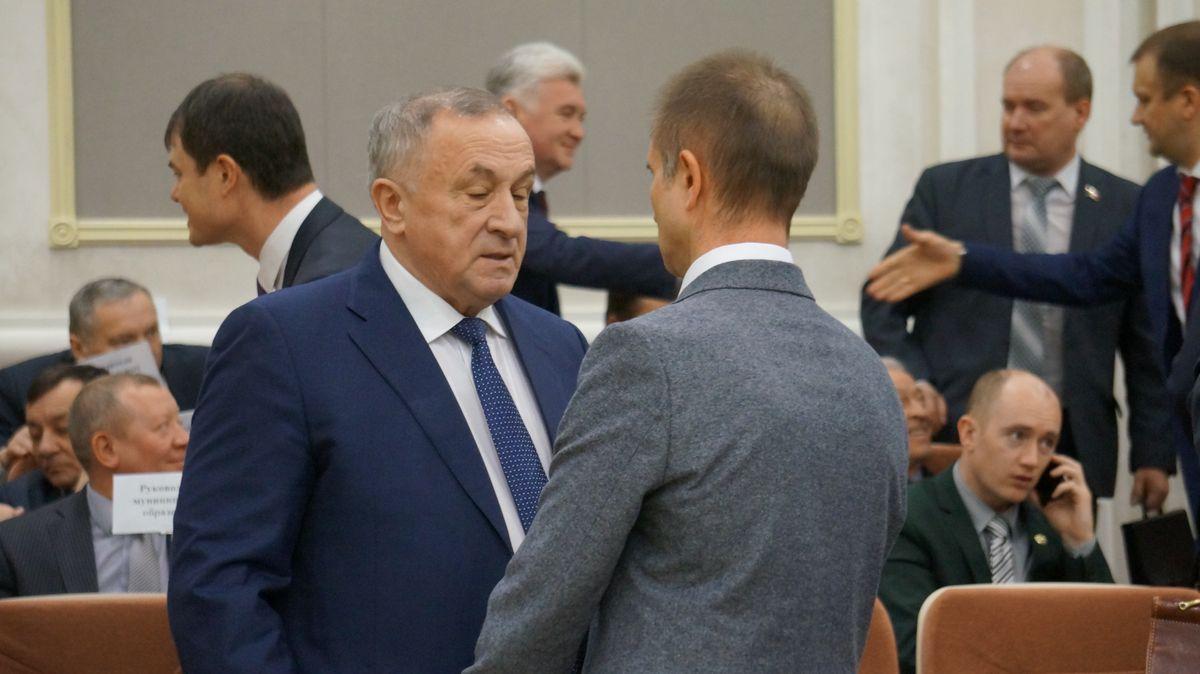 Александр Соловьев и Фарид Юнусов перед сегодняшней сессией. Фото: © «ДЕНЬ.org»