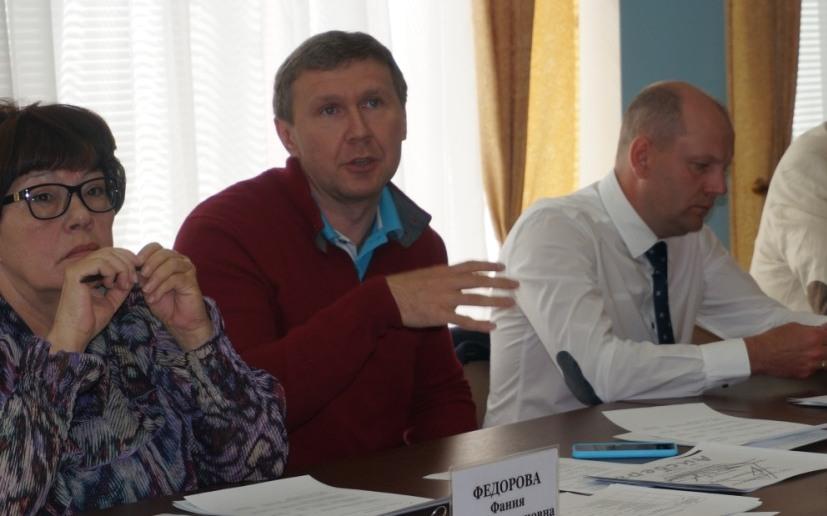 Депутаты Гордумы Фания Федорова, Дмитрий Данилов и Дмитрий Кулишов. Фото: © «ДЕНЬ.org»