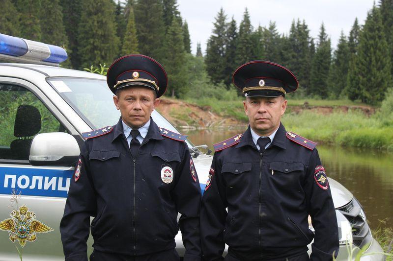 Алексей Чирков и Олег Столбов. Фото: пресс-служба МВД по УР