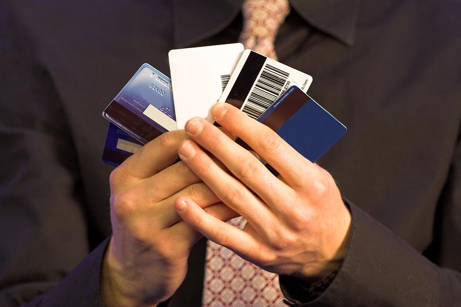 Банкиры играют в карты. Фото: ru.newshub.org