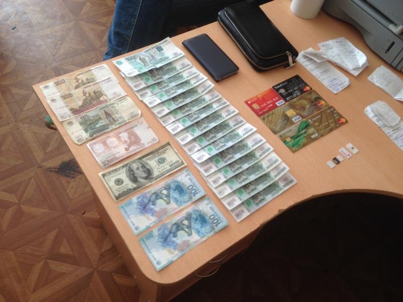 Изъятые деньги.Фото: пресс-служба МВД по Удмуртии