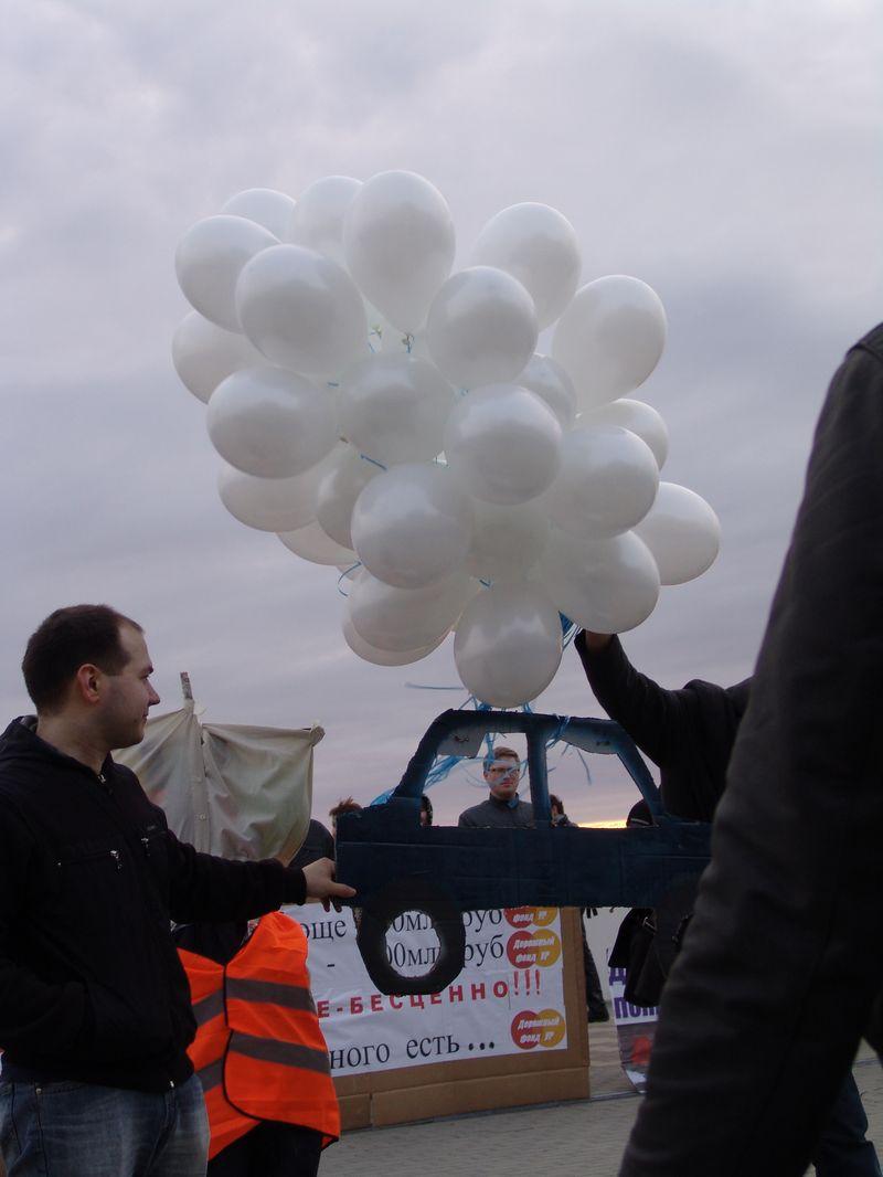 """Александр Сабатаров на митинге """"Автомобилистов Удмуртии""""  Апрель 2013 года Фото из архива ©газеты """"День"""""""