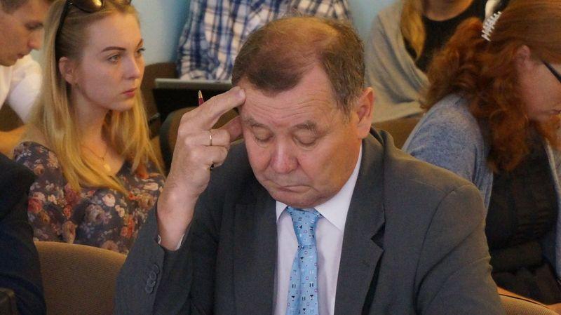 Представитель Камского института пообещал начать выплату долгов, когда Рособрнадзор разрешит проштрафившемуся вузу возобновить прием студентов.Фото: ©«ДЕНЬ.org»