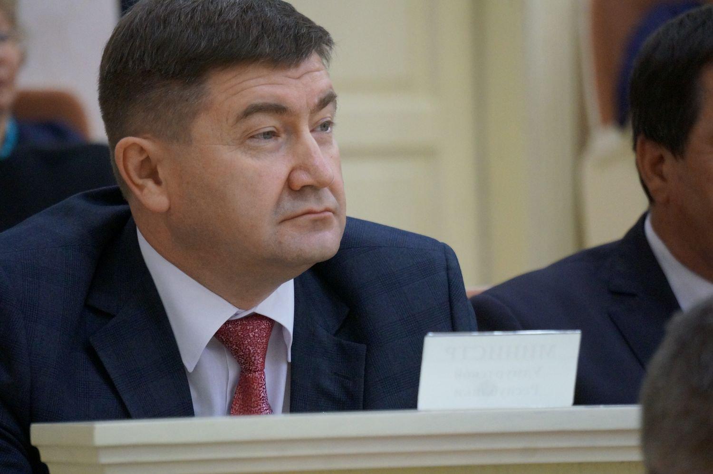 Алексей Чуршин во время заслушивания речи Владимира Чепкасова. Фото ©День.org