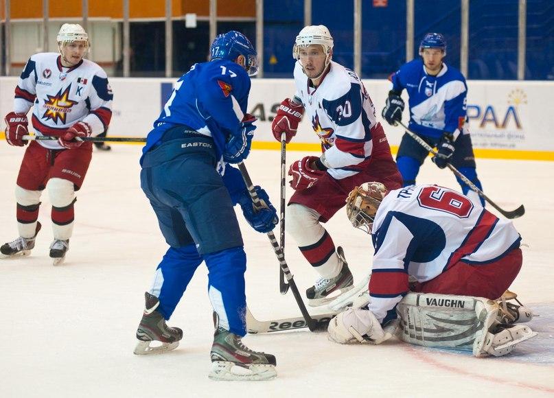 Один из матчей прошлогодней серии игр «Ижстали» и ТХК. Фото: imenno.ru