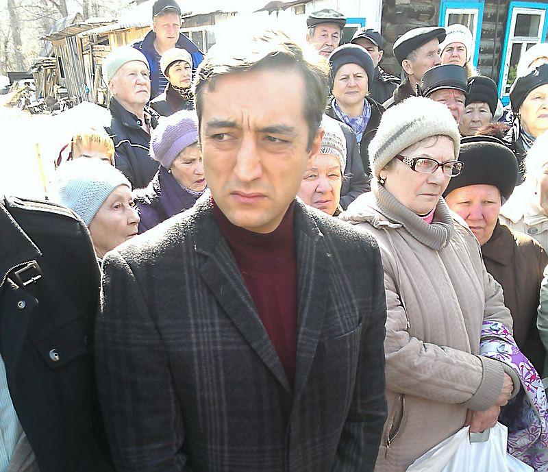 Когда за долгом вдруг появляются «уши» экс-депутата Дмитрия Ряхова, стоит быть начеку. Фото из архива газеты «День»