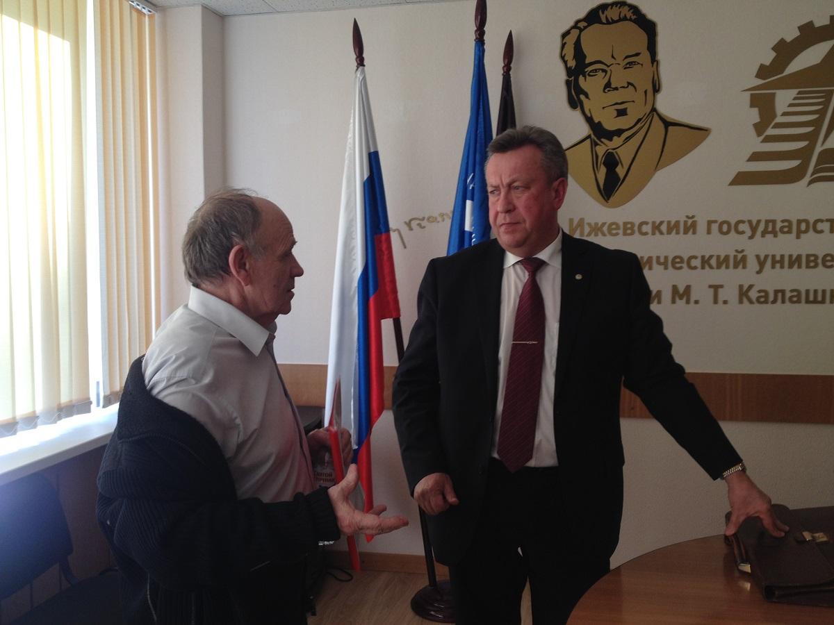 Валерий Грахов и Иван Абрамов после пресс-конференции. Фото: © «ДЕНЬ.org»
