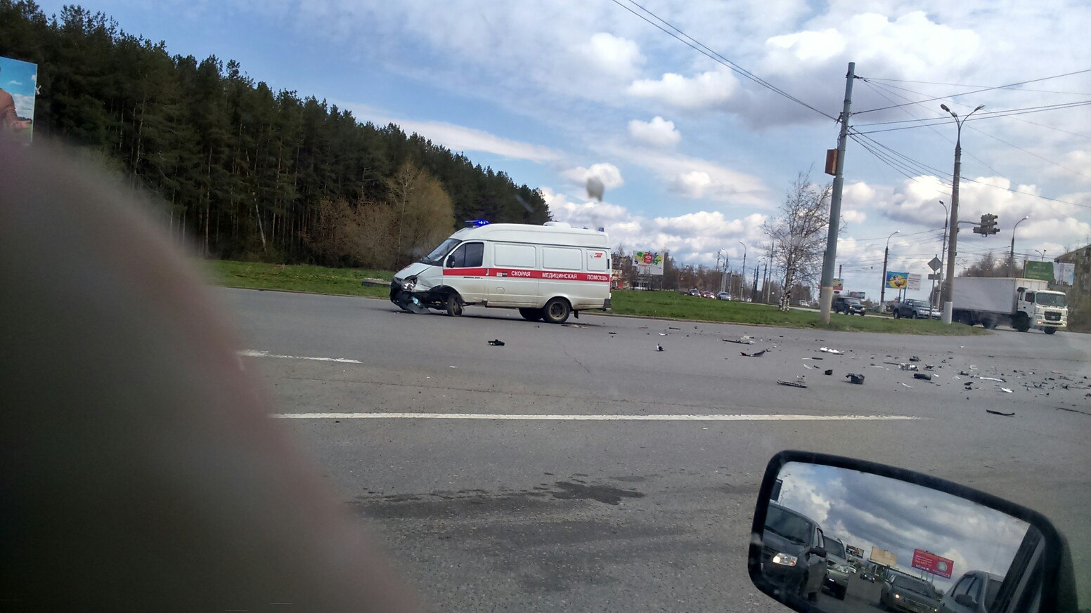 ВИжевске иностранная машина врезалась вавтомобиль «скорой помощи»