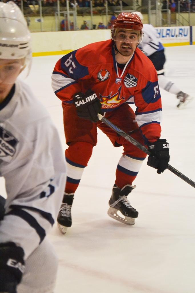 Сергей Монахов — один из самых ценных игроков «Ижстали» в плей-офф. Фото: Александр Поскребышев