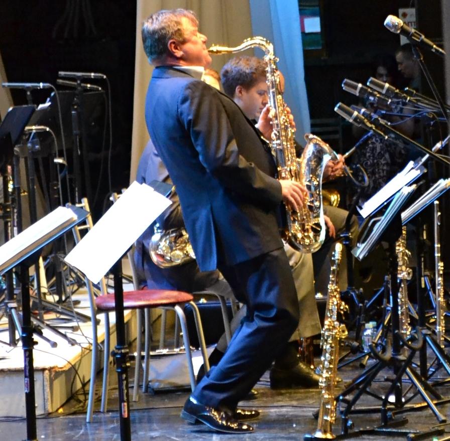 Игорь Бутман - полет на тенор-саксофоне. Фото: Александр Поскребышев