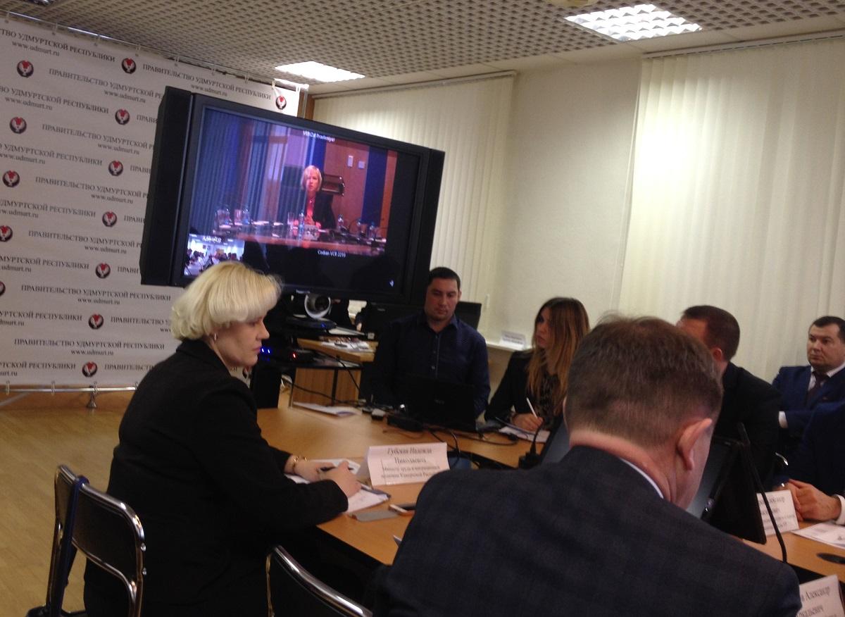 Ирина Макиева: не обижайтесь, но план мы вам поднимем. Фото: © «ДЕНЬ.org»