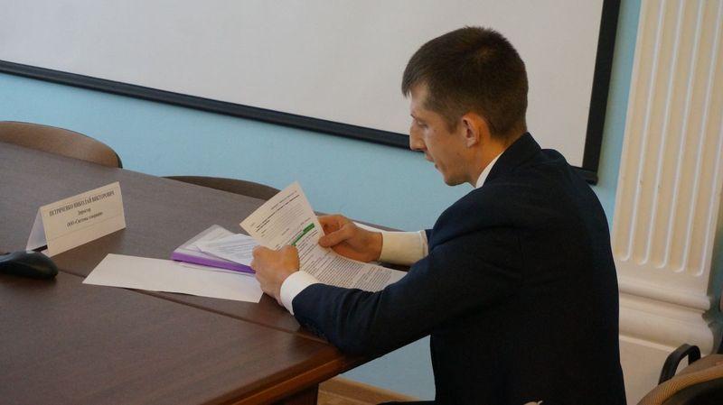 Директор «Систем генерации» попросил у Комиссии по ликвидации долгов помощи в «выбивании» долгов из СпДУ. Фото: ©«ДЕНЬ.org»